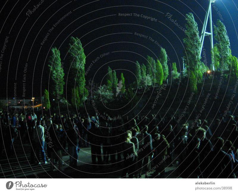 Walpurgisnacht 1.Mai Wald Hexe Menschengruppe