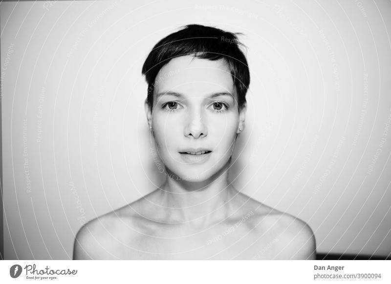 Portrait einer Frau Porträt Beautyfotografie schön Junge Frau