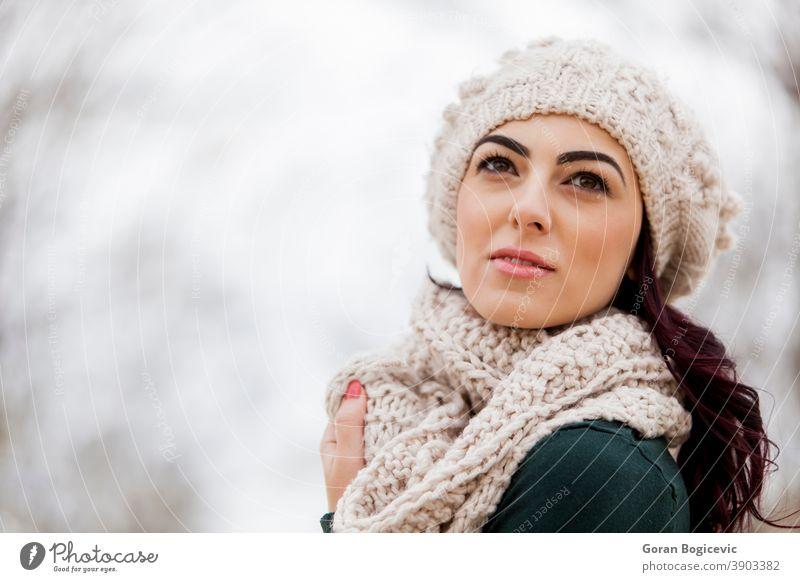 Wintermädchen Erwachsener attraktiv schön Schönheit lässig Kaukasier Nahaufnahme kalt cool niedlich Ausdruck Auge Gesicht Mode Frau Mädchen Behaarung Hut