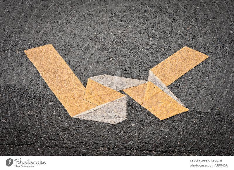 W Erholung Einsamkeit schwarz Straße Senior Linie orange trist Schilder & Markierungen Schriftzeichen Kommunizieren kaputt Schnur Wandel & Veränderung Verfall