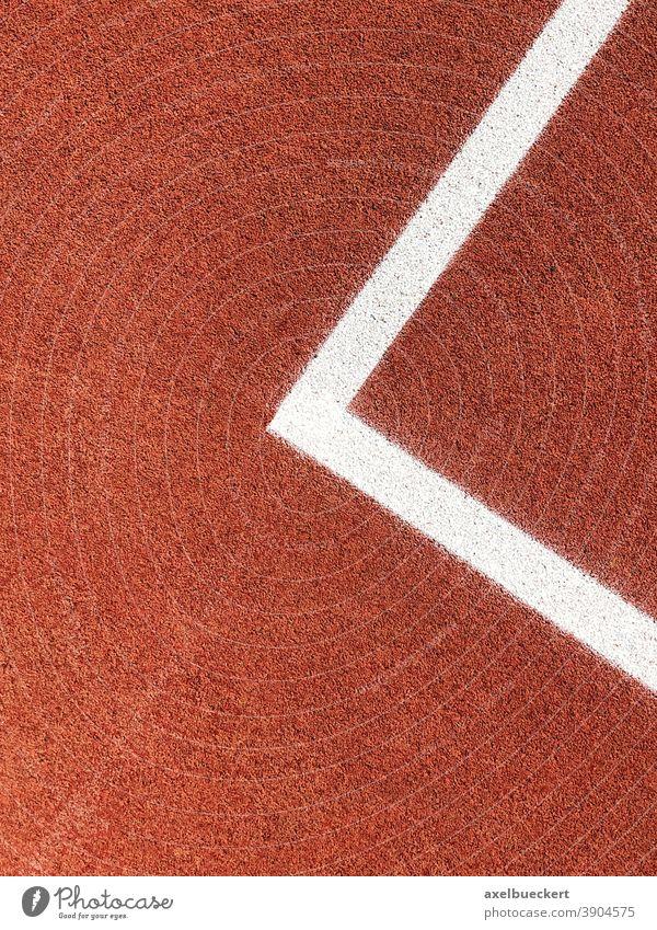 Ecke einer Spielfeldbegrenzung eines Basketballplatzes rot weiß Linie abstrakt Sport Menschenleer Sportplatz Ballsport Freizeit & Hobby Sportstätten Tennis