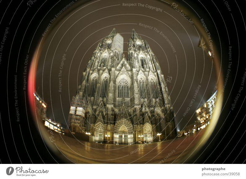 Der Kölner Dom (frontal I) Religion & Glaube Nacht erleuchten Gotteshäuser Fischauge