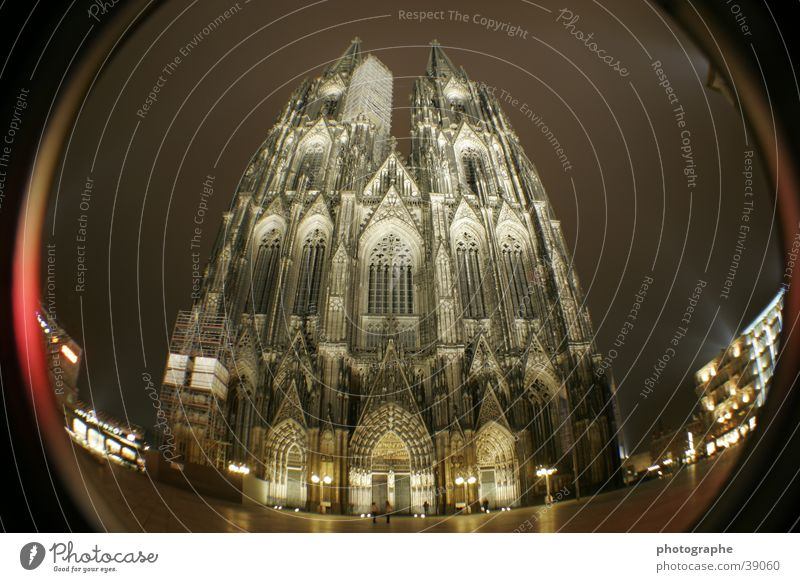 Der Kölner Dom (frontal III) Religion & Glaube erleuchten Gotteshäuser