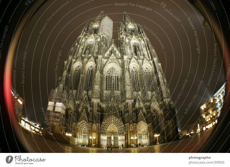 Der Kölner Dom (frontal III) Religion & Glaube Nacht erleuchten Gotteshäuser Fischauge