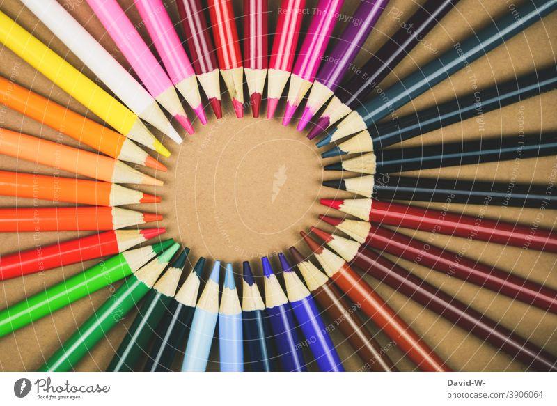 Buntstifte ergeben einen Kreis mit Textfreiraum Stifte Kunst Platzhalter art Schule Kita Bildung bunt malen