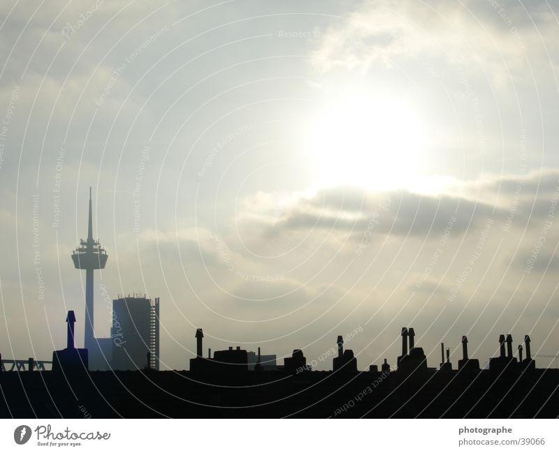 Kölner Skyline I Nachmittag Colonius - Fernsehturm dunkel Stadt Architektur Kontrast hell