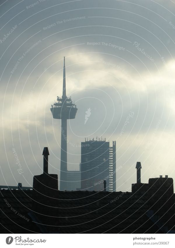 Kölner Skyline II Stadt dunkel hell Architektur Fernsehturm Nachmittag Colonius - Fernsehturm