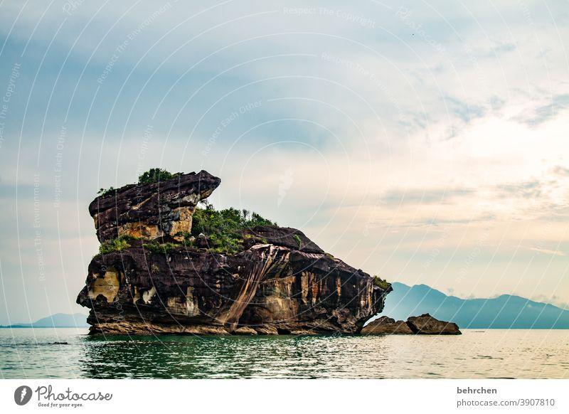 kunstwerk Wasser Berge u. Gebirge Ferien & Urlaub & Reisen Landschaft Natur Tourismus Freiheit Ferne Abenteuer Ausflug Himmel Wolken Urwald Felsen Küste Strand