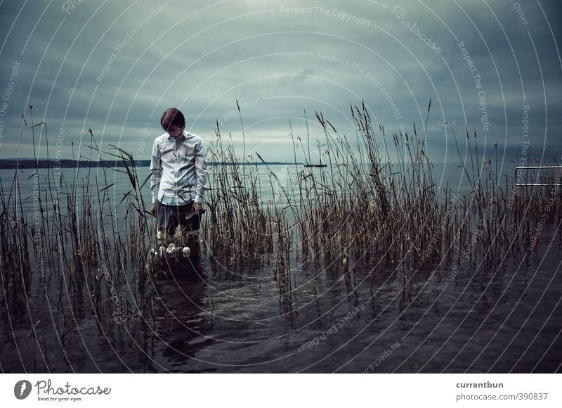 Die Glasevaporierer Mensch Jugendliche Mann blau Wolken 18-30 Jahre Erwachsene kalt See braun maskulin warten dünn Bodensee