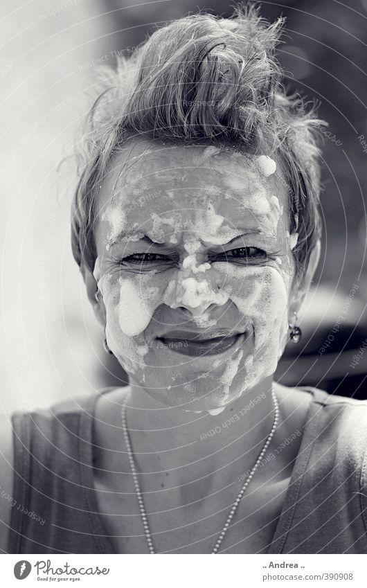 40 Na und .... Mensch Frau Erholung Freude ruhig Erwachsene Gesicht Leben feminin lachen Haare & Frisuren Gesundheit Zufriedenheit Lächeln Mutter Wellness