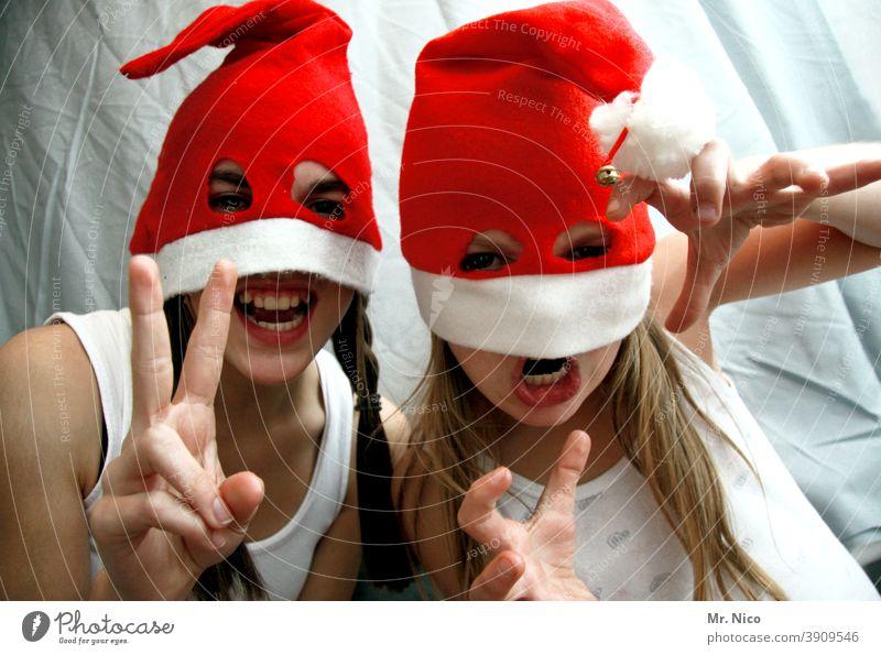 Weihnachtsmonster Weihnachten Nikolausmütze Weihnachten & Advent Mütze rot Feste & Feiern Winter Grimasse Freude lustig frech Augen Jugendliche schreien Zopf