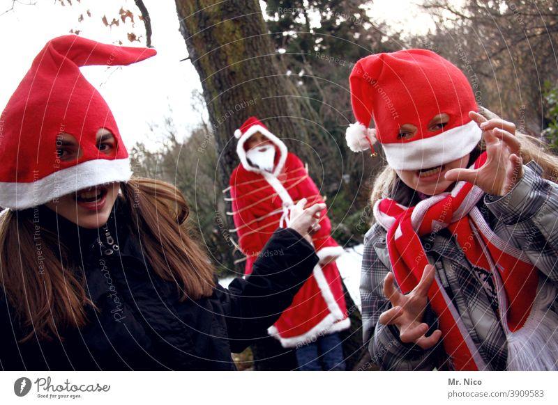 Kidnapping kidnapping Weihnachten & Advent weihnachtlich Winter Schnee Baum Entführung gefesselt Lösegeld Nikolausmütze knecht ruprecht frech lustig Grimasse