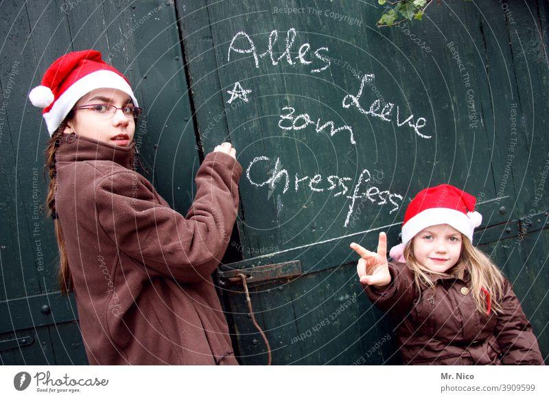 Weihnachtsgrüße aus Köln Weihnachten & Advent weihnachtlich rot peacezeichen Nikolausmütze Jugendliche Mütze x-mas Frohe Weihnachten geschrieben Schrift