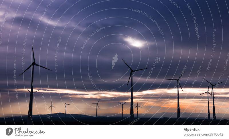Energetische | Nachbarschaften Windkraftanlage windkraft Windrad Sonnenaufgang Energie Farbfoto Energiewirtschaft Umwelt ökologisch Erneuerbare Energie