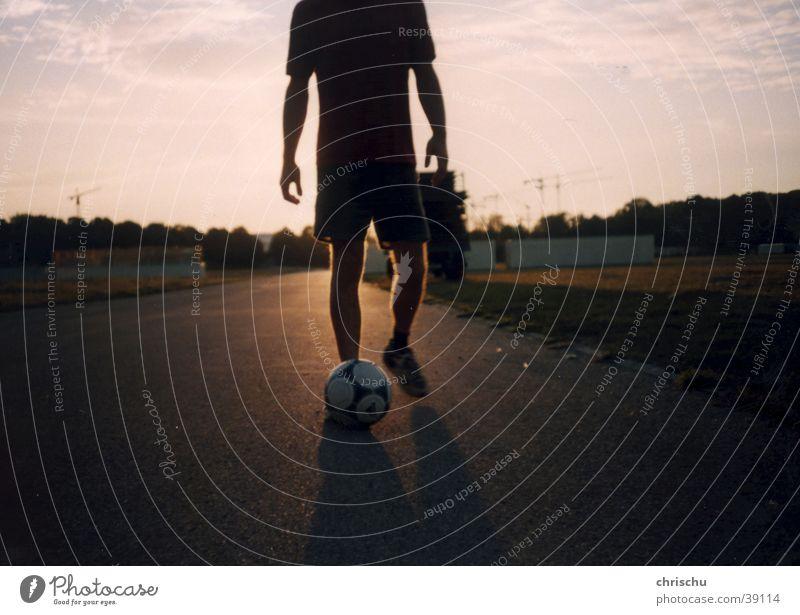 Fußballromantik Straße Sport Fußball München Asphalt Fußballer Tom Tom Theresienwiese