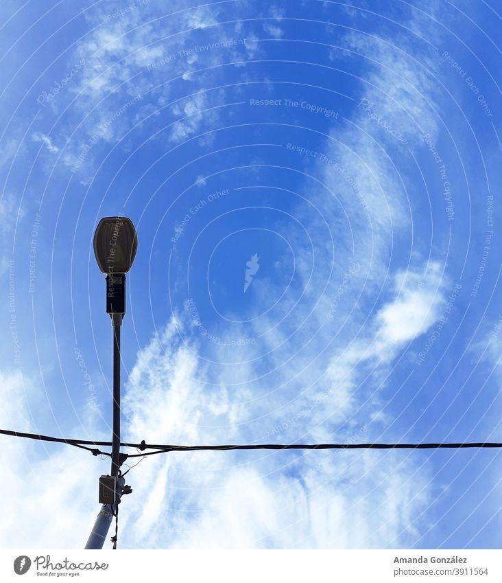Perspektive 2 Himmel himmelblau Lichterscheinung Perspektive von oben Fenster Gebäude malerisch Atmosphäre im Freien Sommer
