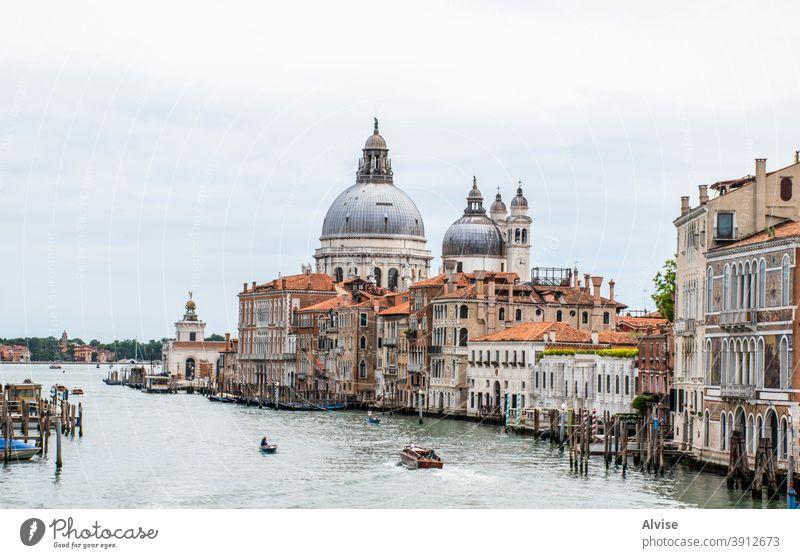 la Madonna della Salute Italien Venedig Italienisch Kirche Kanal Tourismus reisen venezia herrschaftlich venezianisch Veneto großer Kanal Canal Grande