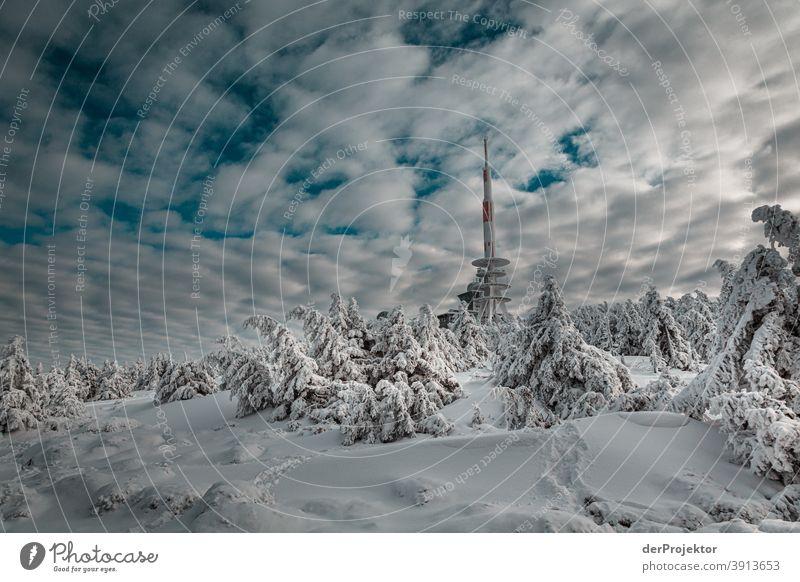 Brockenspitze im Schnee mit Sendemast Harz_2018 Joerg Farys Nationalpark Naturschutz Niedersachsen Winter derProjektor derProjektor_2017 dieProjektoren harz