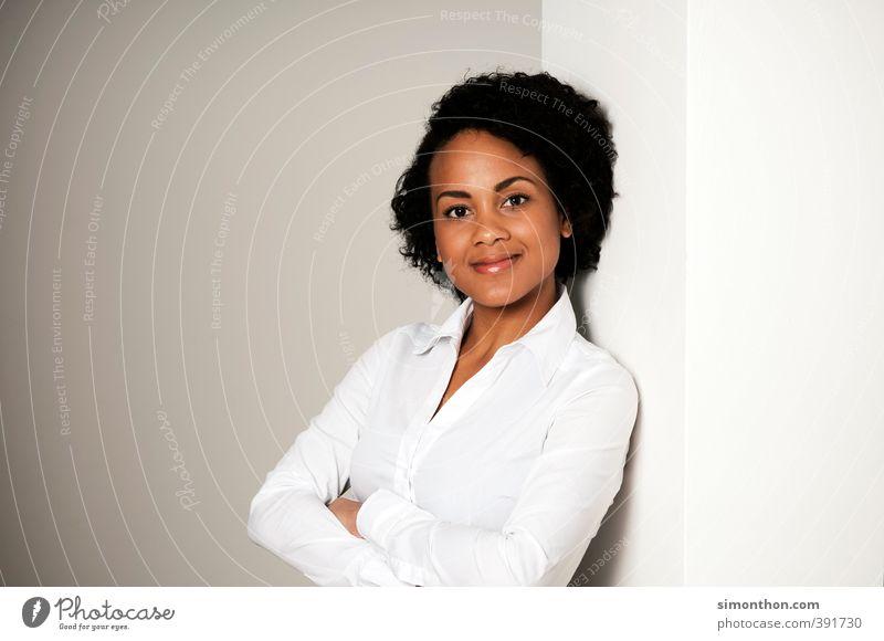 Portrait Mensch Jugendliche 18-30 Jahre Erwachsene feminin Business Büro Erfolg lernen Studium Bildung Geldinstitut Erwachsenenbildung Student Arzt Sitzung