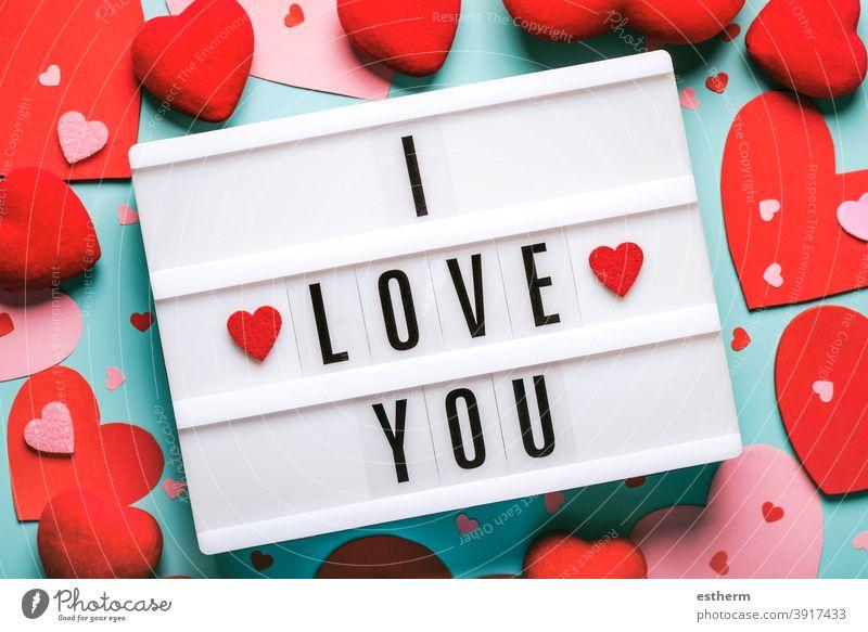 Happy Valentine's Day.Lightbox mit dem Wort ich liebe dich und rote Herzen.Valentinstag Konzept Liebe Valentinshintergrund lieblich Ich liebe dich Valentinsgruß