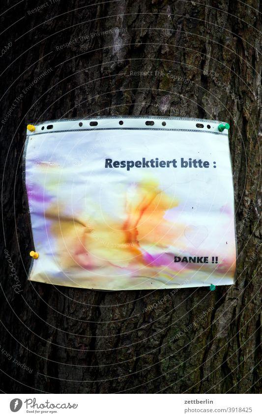 Wunschzettel mit Textfreiraum aussage botschaft farbe gesprayt grafitti grafitto illustration kunst mauer message nachricht parole politik sachbeschädigung