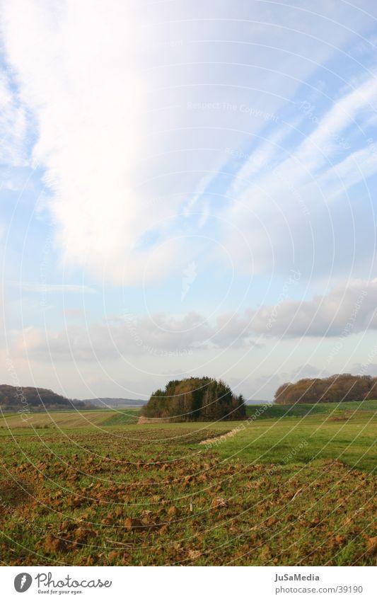französische Landschaft Himmel Wolken Wiese Feld Frankreich