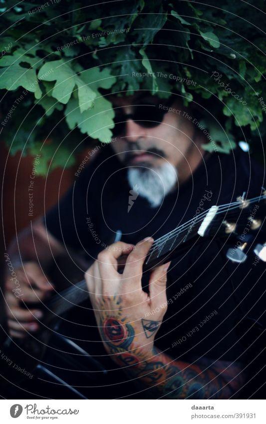 Dante Lifestyle Stil Freude Freizeit & Hobby Gitarre Gitarrenspieler Gitarrengriff Tattoo Sonnenbrille Krone Sommersonnenwende Entertainment Veranstaltung Musik