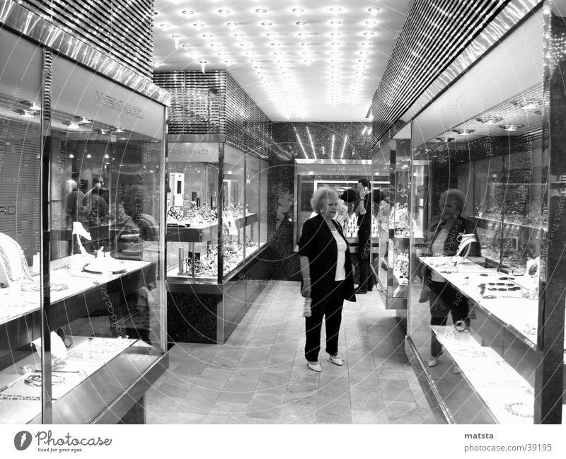 schmuckauslage_w Graz Las Vegas Glamour verloren Architektur weikhard Reflexion & Spiegelung Beleuchtung
