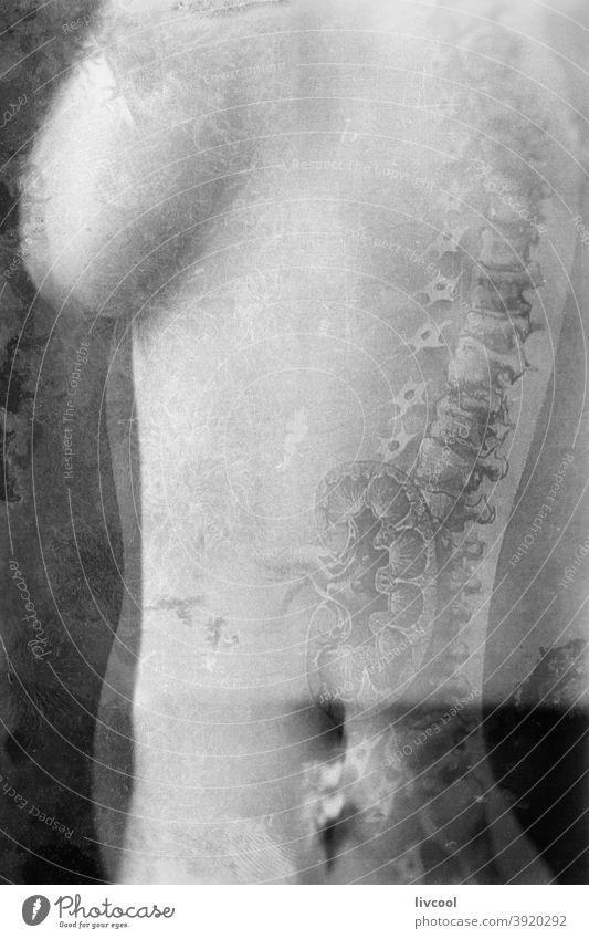 Vintage nackten Torso der Frau Körper Haut Verlockung romantisch altehrwürdig schwarz auf weiß Truhe Busen Schönheit Bauchnabel Nabel Porträt Menschen frau