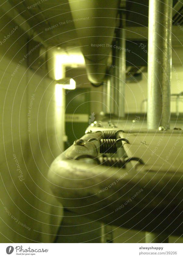 Bunkerbett Metall Bett Schutz obskur eng Krieg Bunker Schlafsaal
