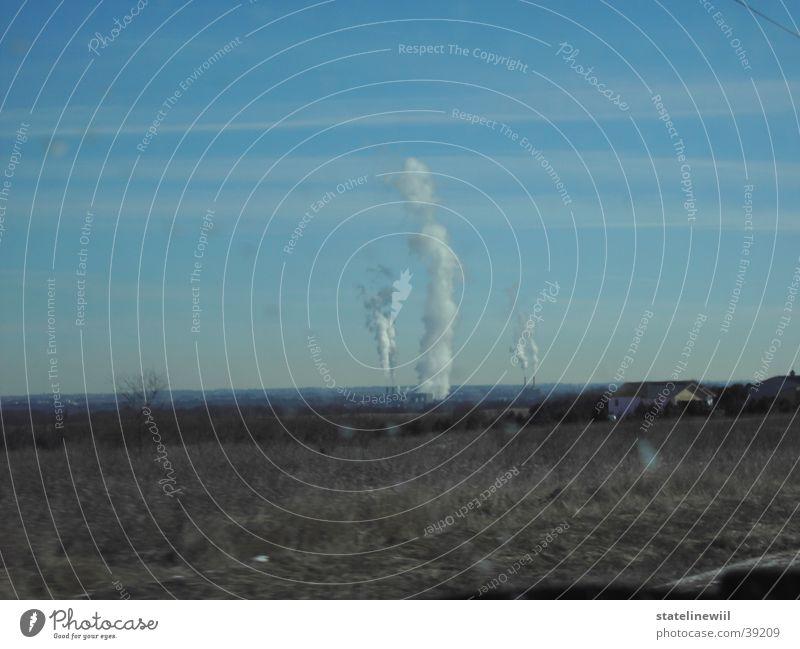 power plant Himmel Landschaft Wolken Ferne Umwelt Horizont Energiewirtschaft Feld dreckig hoch Elektrizität Fabrik Rauch Abgas Schornstein Klimawandel