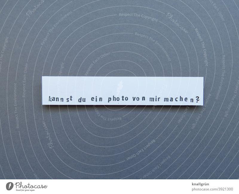 Kannst du ein Photo von mir machen? Fragen Fotografieren Fragezeichen Erwartung Stimmung Stempel gestempelt selbstgebastelt DIY ausgeschnitten Papier Buchstaben