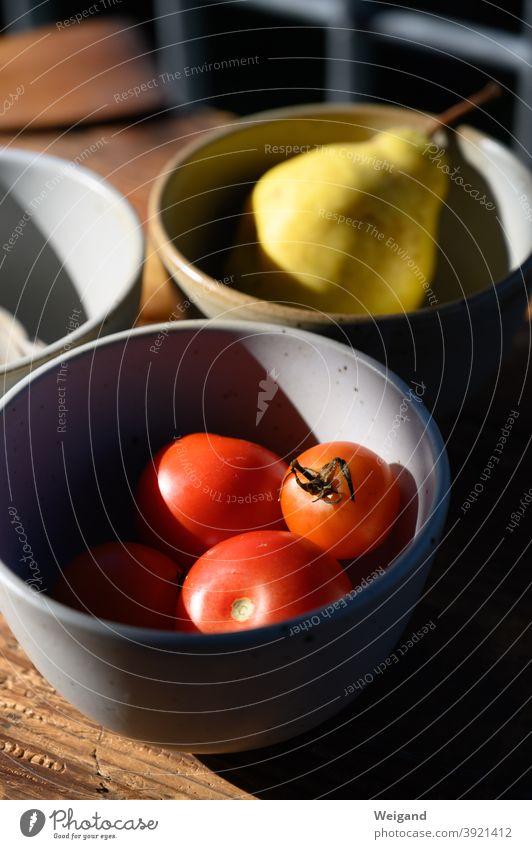 Tomaten in Schale tomatensauce Schalen & Schüsseln kochen Gemüse frisch lecker Slowfood Birne Bioprodukte Sommer Ernährung Vegetarische Ernährung Mittagessen