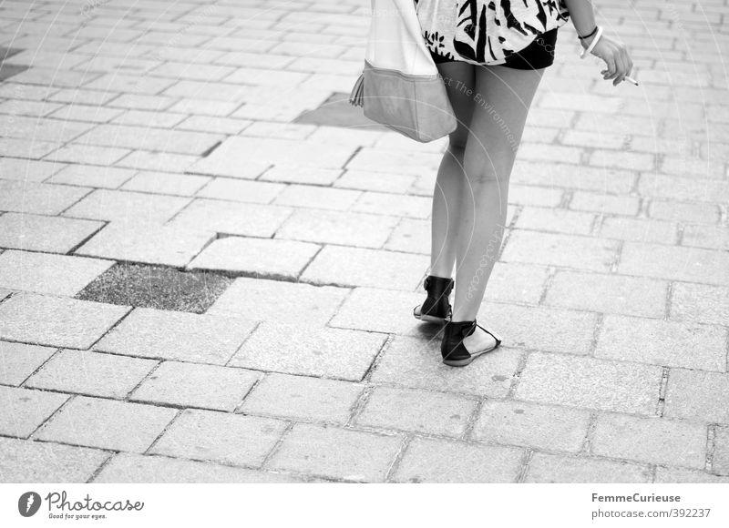 Walking down the street... Mensch Frau Jugendliche Ferien & Urlaub & Reisen schön Junge Frau Freude Erwachsene 18-30 Jahre Erotik feminin Stil Beine Fuß elegant