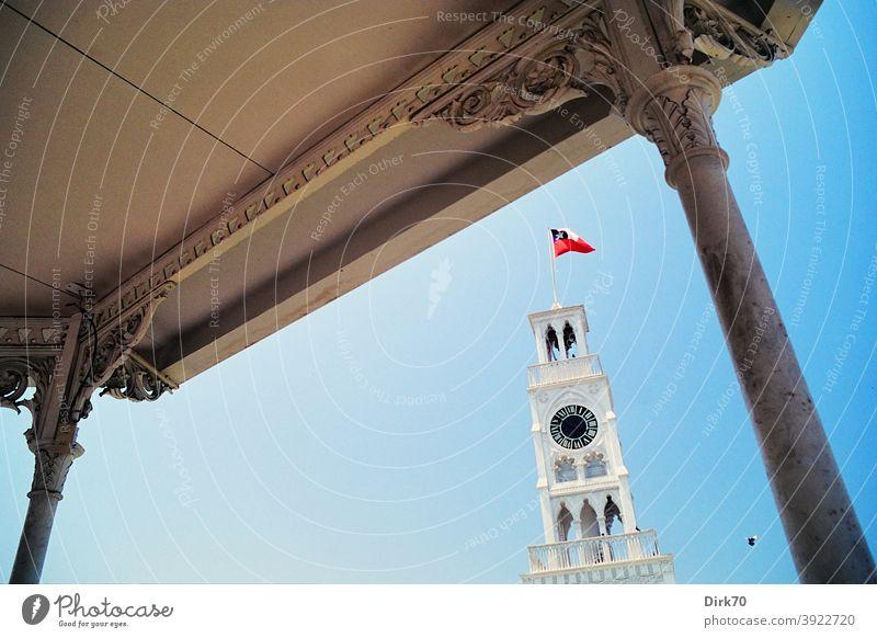 Historischer Uhrenturm in Iquique, Chile historisch Historische Bauten iquique Plaza Arturo Prat chilenisch Berühmte Bauten Außenaufnahme Sehenswürdigkeit
