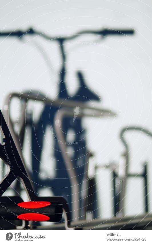 Doppelstockfahrradständer Fahrrad Schatten Fahrradständer Doppelstockparker Griff parken abstellen