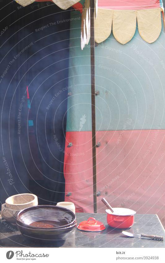 Heute kochen wir draussen. Küche Outdoor Abenteuer Tourismus Ausflug Outdoor-Erholung Zelt Zeltplane Zeltlager Zelteingang Stoff Plane Ferien & Urlaub & Reisen