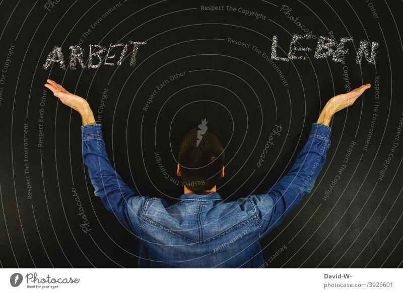 Arbeit oder Leben - Lebenseinstellung lebenseinstellung Ausgeglichenheit Balance Arbeiten Business Familie Konzept Tafel Kreide Entscheidung Einstellung Mensch