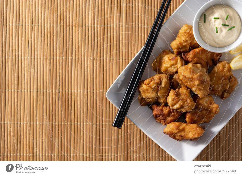 Scharfes Hähnchen-Karaage asiatisch Essstäbchen gekocht Knusprig Küche lecker Abendessen getrocknet schnell Fastfood Lebensmittel Japanisch Japanisches Essen
