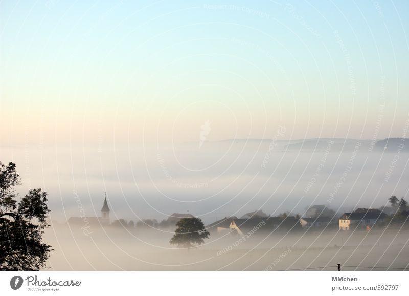 AusBlick Sinnesorgane Abenteuer Ferne Freiheit Berge u. Gebirge Umwelt Natur Landschaft Urelemente Herbst Nebel Feld Haus Kirche Erholung schlafen träumen