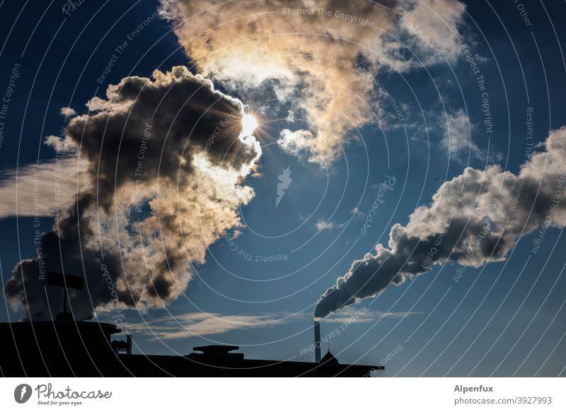 saubere Luft | systemrelevant Erneuerbare Energie Heizkraftwerk Technik & Technologie bedrohlich Feinstaub Stromkraftwerke Wolken Kühlturm Wasserdampf