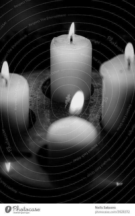 ein bisschen zu spät vier Adventskerzen Kerze Licht Stein Kerzenständer Kerzenschein Wärme Weihnachten & Advent Kerzendocht Feste & Feiern gemütlich leuchten