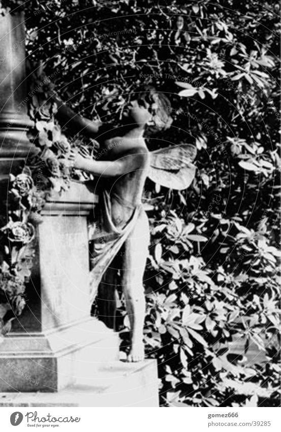 Skulptur-01 Friedhof Grab