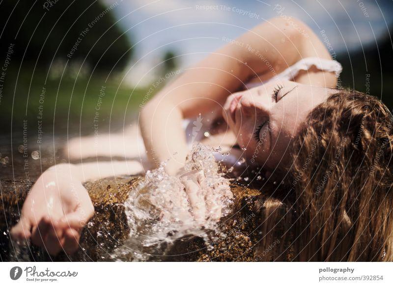 weary II Mensch Frau Himmel Natur Jugendliche Wasser Sommer Hand Einsamkeit Junge Frau Wolken Erwachsene 18-30 Jahre Leben Tod feminin