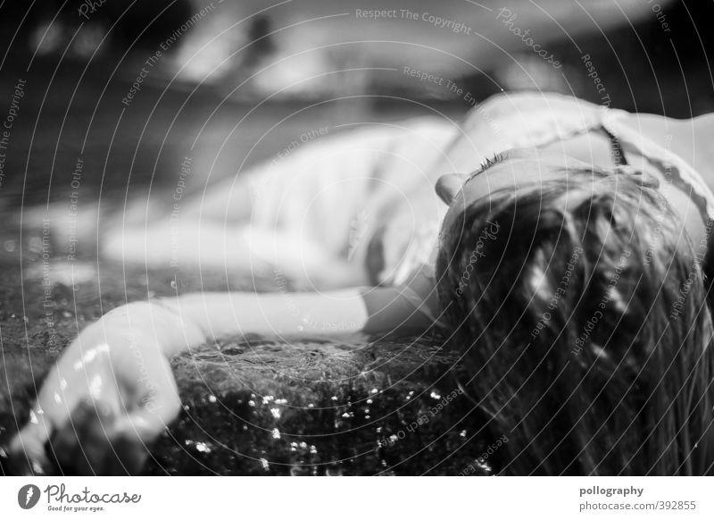 weary VI Mensch Frau Natur Jugendliche Wasser Sommer Einsamkeit Junge Frau Erwachsene 18-30 Jahre Leben Gefühle Tod feminin Traurigkeit Kopf