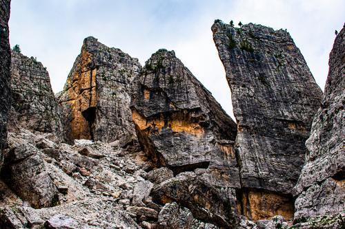 Die Cinque Torri in den Dolomiten vier Tourismus Italien im Freien Gipfel Berge u. Gebirge Europa Bergsteigen Landschaft massiv Erbe Aktivität Nachlauf Sommer