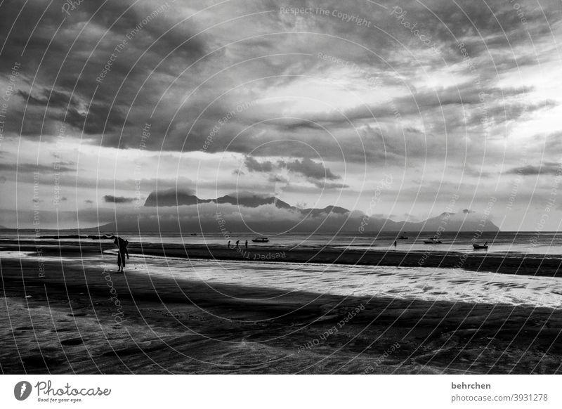 der himmel auf erden Insel Berge u. Gebirge Wasser Natur Ruhe Schwarzweißfoto Ausflug Tourismus Ferien & Urlaub & Reisen Fernweh Urwald Wolken Himmel Landschaft