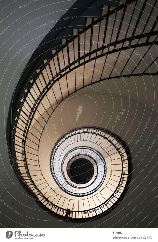 Kurvenlage treppenhaus schneckenform architektur perspektive linien gestaltung Wege & Pfade fußweg wege struktur muster platz rund drehwurm geländer