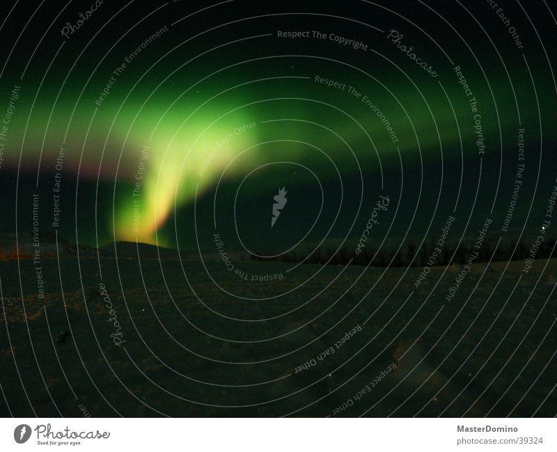 Nordlicht Natur Himmel grün gelb Farbe Lampe dunkel kalt Schnee Eis Tanzen Beleuchtung Stern außergewöhnlich Weltall Island