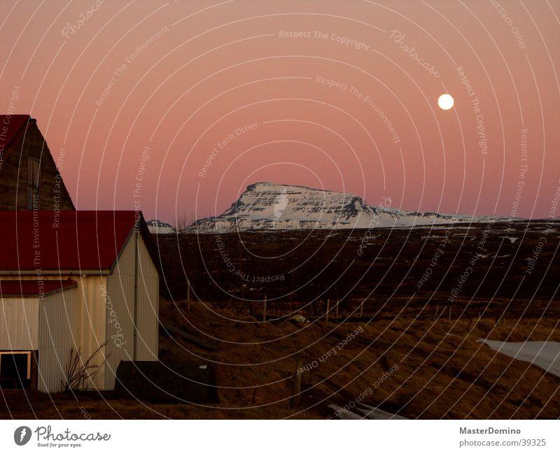 Harvest Moon Mondaufgang rot Röte Island Berge u. Gebirge Abendröte Monduntergang Schnee Himmel